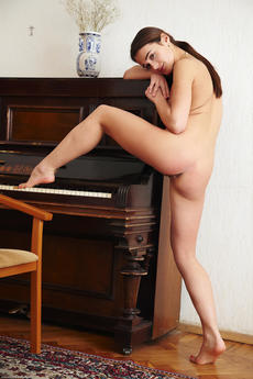 Evie In Pianino By Arturo - Picture 12
