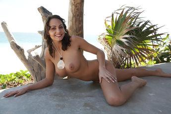 Gabriela In Vahaje By Erro - Picture 3